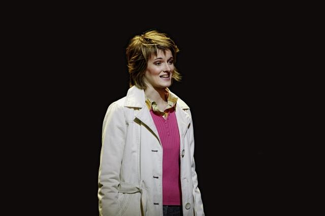 "Bettina Bogdany in der Tourneeproduktion ""FINIX""; Foto: Alexander Wulz"