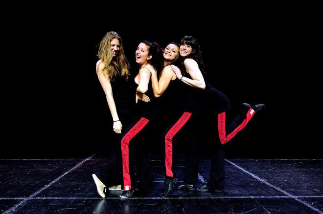 Franziska, Marina, Clara und Melanie von der Performing Academy; Foto: Bernhard Fritsch