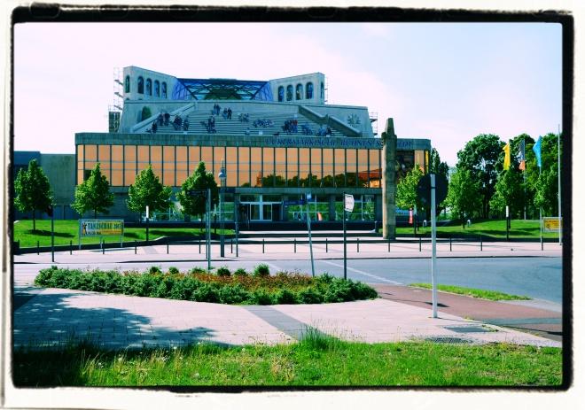 Uckermärkische Bühnen Schwedt, Großes Haus mit Bühnenturm inTrompe-l'œil-Malerei, Foto 2 Dina Schein TM