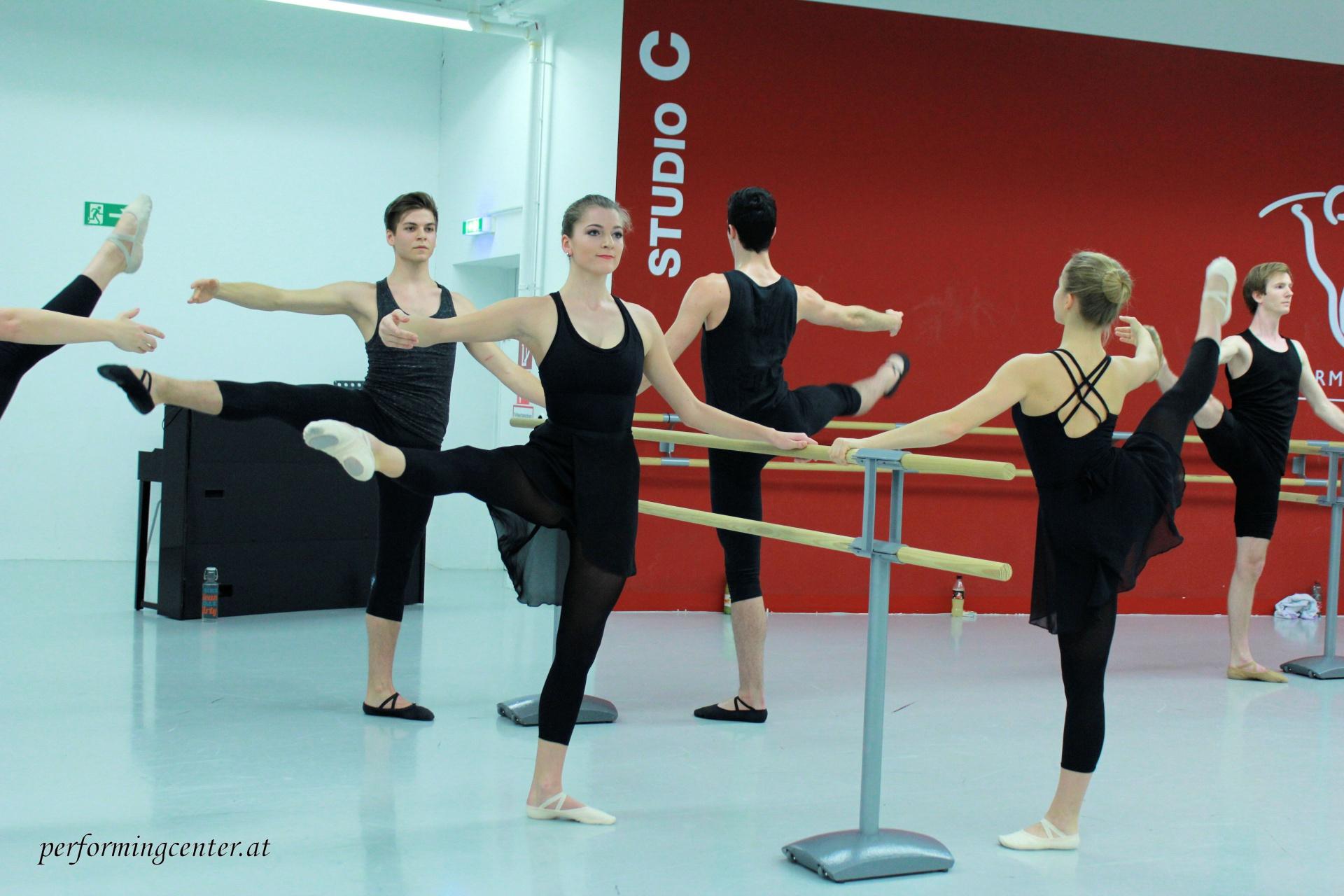 neue tanzkurse in ballett jazz hip hop und mehr performing center austria. Black Bedroom Furniture Sets. Home Design Ideas